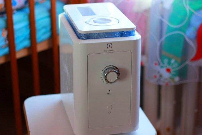 Увлажнитель Electrolux EHU-1010