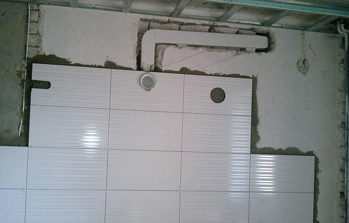 Воздушный канал в стене