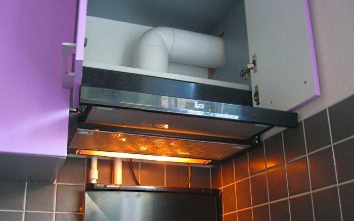 Воздушный канал в шкафу