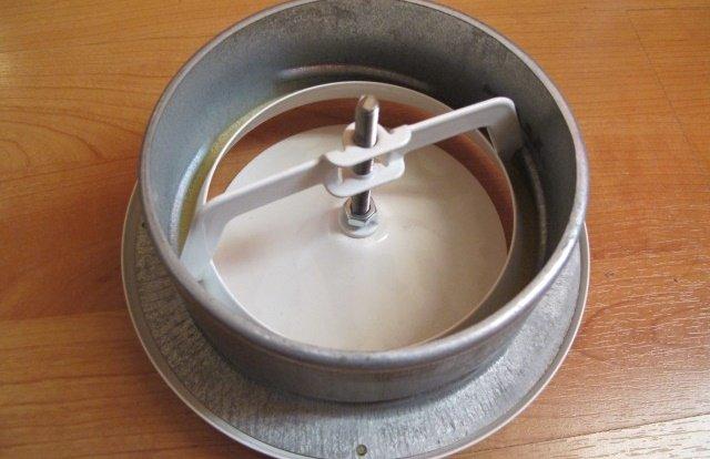 Регулируемый вентиляционный анемостат