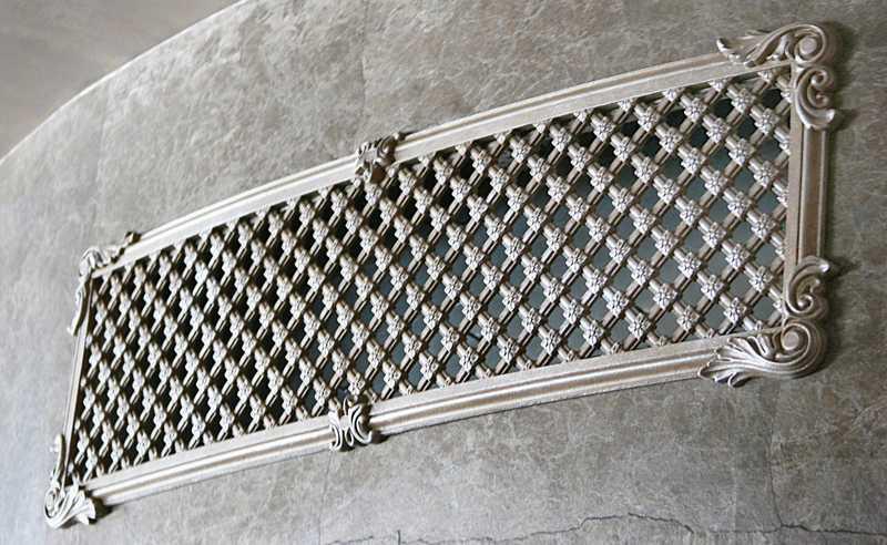 Металлическая решетка в интерьере