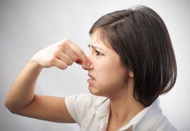 неприятные запахи при отсутствии фильтров в вытяжке