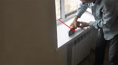 Картинки по запросу вентиляционная решетка в подоконник монтаж фото